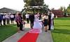Bürgermeister Cristian David bei der feierlichen standesamtlichen Trauungszeremonie mit dem Brautpaar und den Hochzeitsgästen.