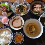和食と琉球料理 うちなーの味 石なぐ