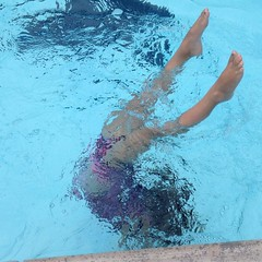 Handstand success!  Mommy! Mommy! Mommy!  Did you get that picture?  #pool #summer #summerfun #handstand #underwater