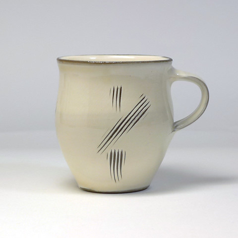 小鹿田焼 坂本浩二窯「マグカップ/乳白・長斜め櫛」
