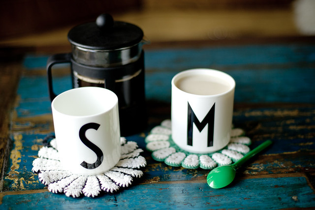 mug designe letters Arne Jacobsen