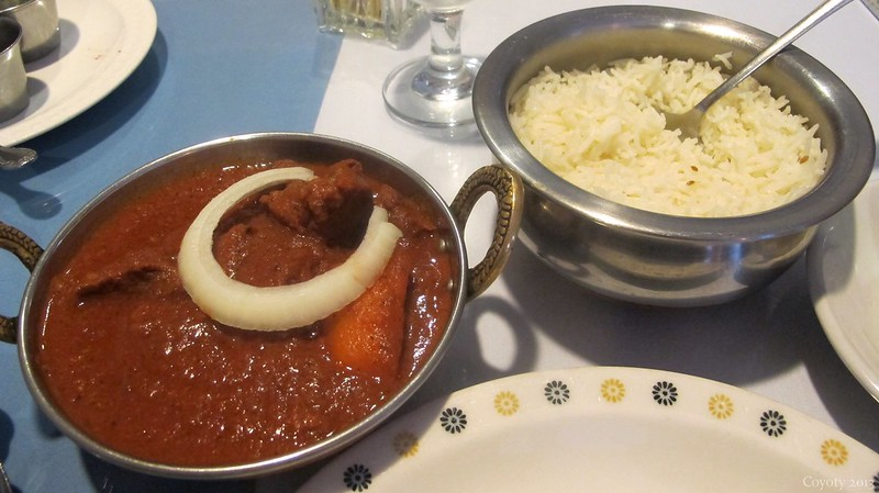 Lamb vindaloo and rice