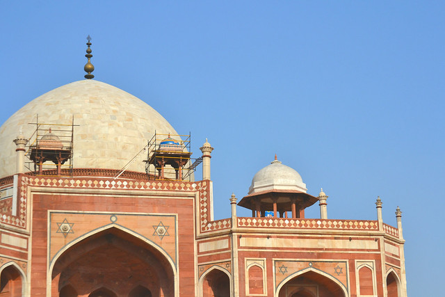 A picture of Humayan's Tomb in India