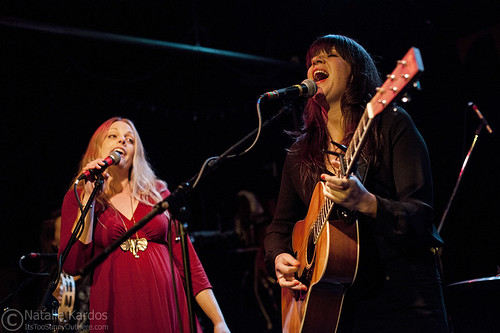 Shelby Earl w/Anna-Lisa Notter @ Tractor Tavern