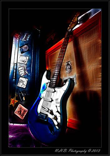 Fender Stratocaster and Speaker (fractilius)