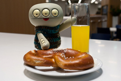 Uglyworld #2080 - Bretzelers - (Project Cinko Time - Image 282-365) by www.bazpics.com