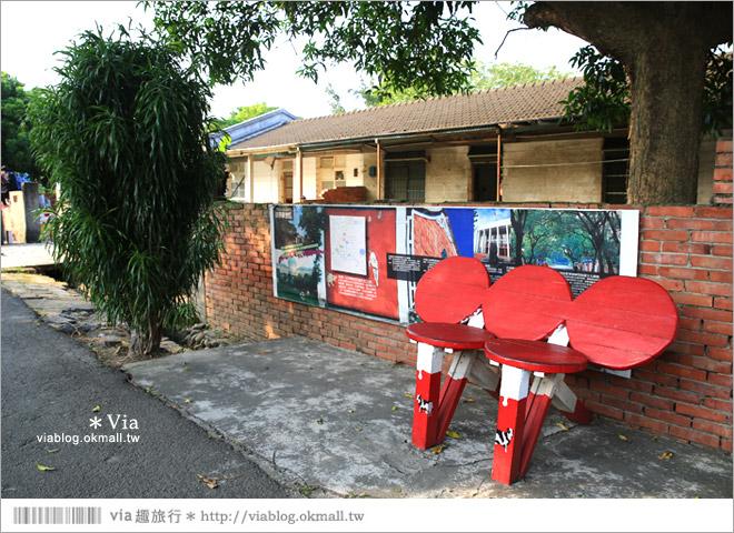 【台中霧峰景點】台中光復新村~可愛的造型椅林立、讓老眷村重新充滿新活力!33