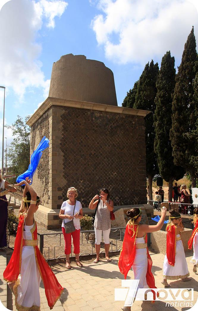 El monumento funerario de Torreciega estrena placa