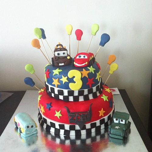 #carscake #birthdaycake #sugarart #sugarcake #sekerhamurlupastalar by l'atelier de ronitte