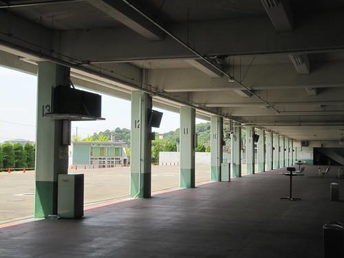 姫路競馬場の1階裏手