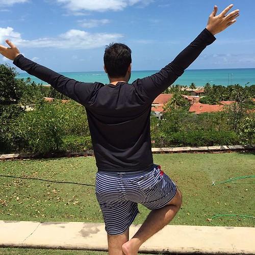 Ensinando #powpowsao a divar!!! Kkkkkk não sabia dessa foto mais já que ela tirou.... Kkkkk vamo pra zoeira!!  #myeggs #travel #travelblog  #blogtravel  #trip  #beach #casacaiada  #maceio  #alagoas