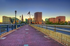 Hartford skyline & Founders Bridge