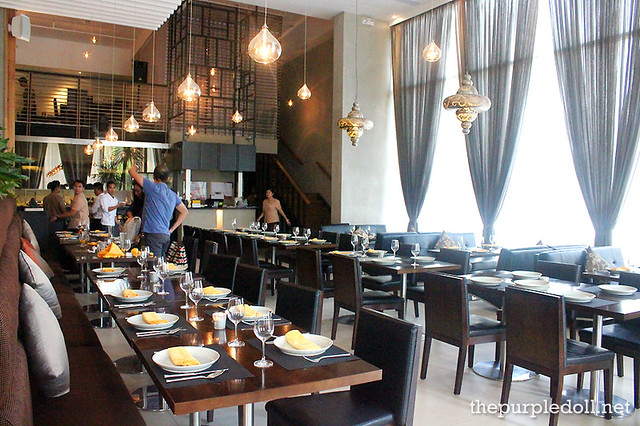 Mango Tree Interior Bonifacio High Street