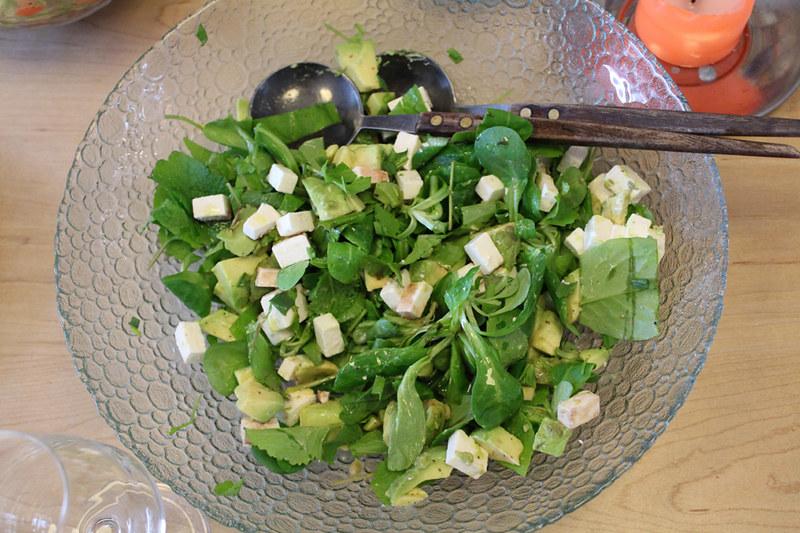 Sla met postelein en slablaadjes feta avocado en dragon