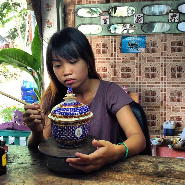 Peinture Porcelaine Comment Peidre Des Petits Pois En Decor