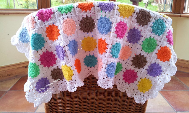 Circle-in-a-Square Baby Blanket