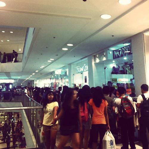 Glorietta Mall Midnight Madness May 2013