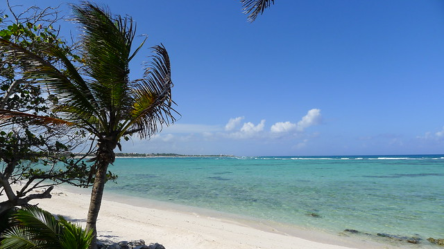 Mayan Riviera Travel Guide by CC user keatssycamore on Flickr