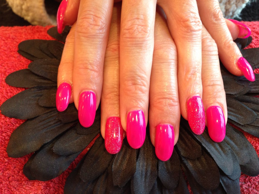 Acrylic Nails With Hot Pink Gelish Gel Polish With Glitter Flickr