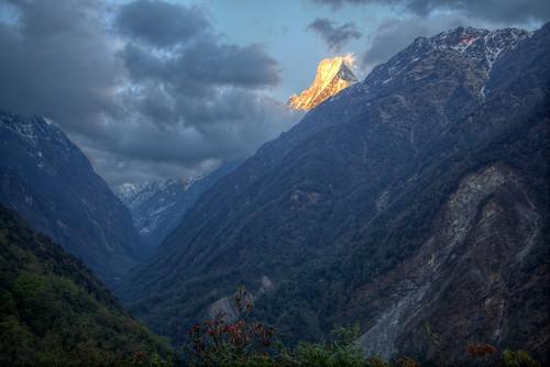 nepal sunset mountain mountains nature valley annapurna hdr modi machapuchare