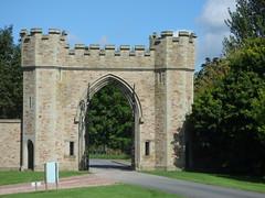 Hampton Court Castle and Gardens
