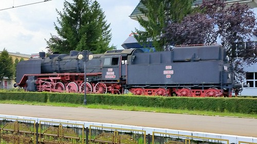 public trainsport railways train diesel steam locomotive cfr romania engine 1501114 ex dr br 50517 display brasov trains station br50