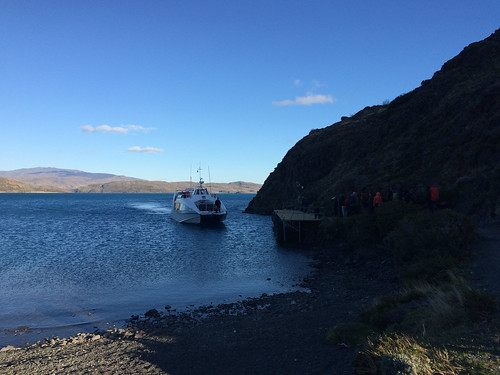 Torres del Paine: trek du W. Jour 5: le catamaran pour rejoindre le bus qui nous ramènera à Puerto Natales.