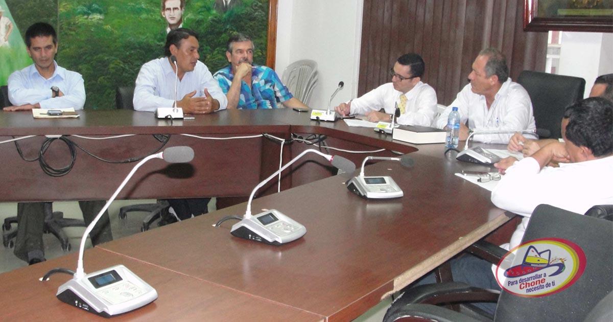 Alcalde y dirigentes comunitarios buscan acuerdos para integración de nueva parroquia