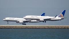 United Airlines Boeing 737, 757,  port profile pair 1. Runway 28 L & R, SFO, DSC_0003