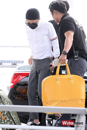 BIGBANG Incheon Airport to Shanghai Press 2015-06-19 007