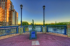 Hartford: Emancipation statue on Founders Bridge