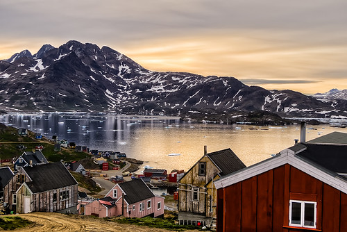 travel houses sunset panorama mountains ice water horizontal montagne landscape outside outdoors evening wooden tramonto village outdoor noone floating peaceful nobody nopeople case arctic greenland fjord acqua viaggi hdr highdynamicrange sera fiordo artico legno ghiaccio nessuno outdoorshots villaggio elaborazioni tranquillità groenlandia orizzontale ammassalik angmassalik tasiilaq singleexposurehdr outdoorshot sermersooq flickrsfinestimages1 flickrsfinestimages2 flickrsfinestimages3 bestevercompetitiongroup hdrsingoloscatto kongoskarshavn