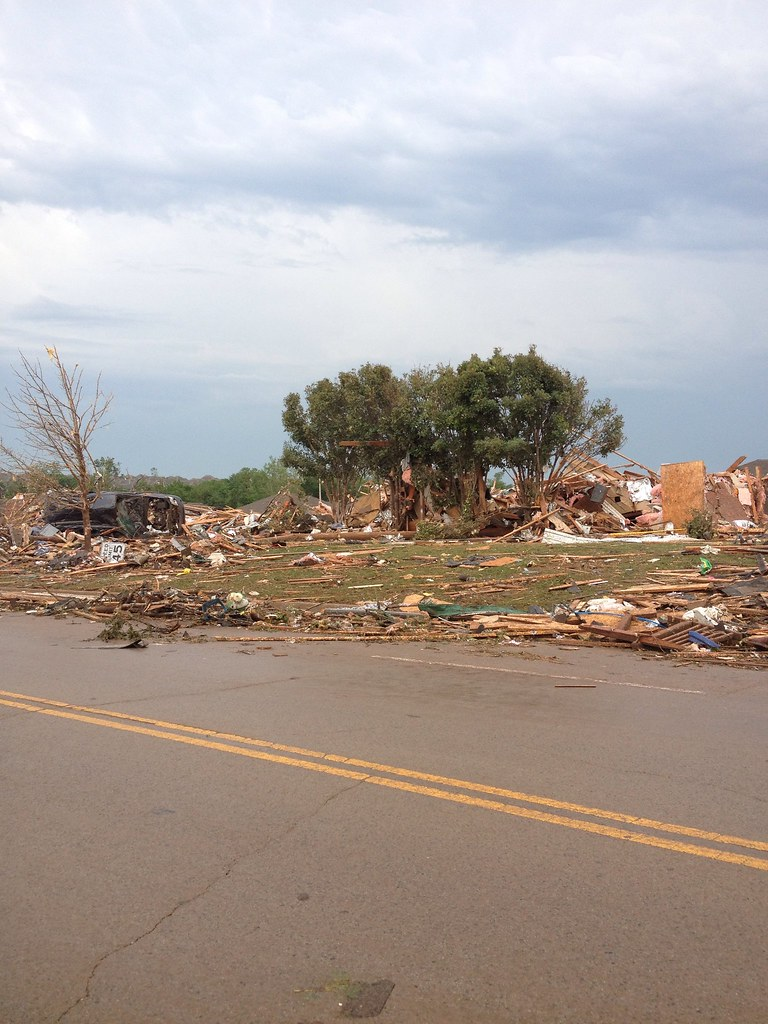 Moore Oklahoma destruction after tornado outbreak