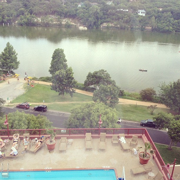 #hotel #view. Can you say #score?!?! #fuckyeah #holidayinn #lakeview #austin
