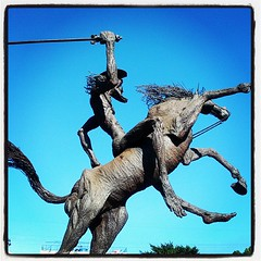 Thin man on a horsie