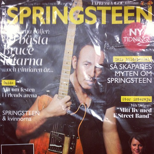They sell Bruce-only magazines in Swedish at the grocery store