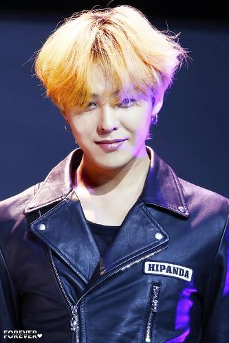 G-Dragon HIPANDA HQs Shanghai 2015-08-31 (58)