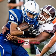 OK3Sports coverage from the Lanier Voks and Highlands Owls football game played in San Antonio, TX. on Thursday, September 15, 2016. Voks defeated the owls 33-21. #ok3sports #football #nikonphotography #sportsphotography