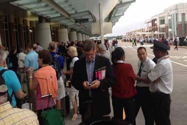 Amenaza obliga a evacuar Aeropuerto de Richmond