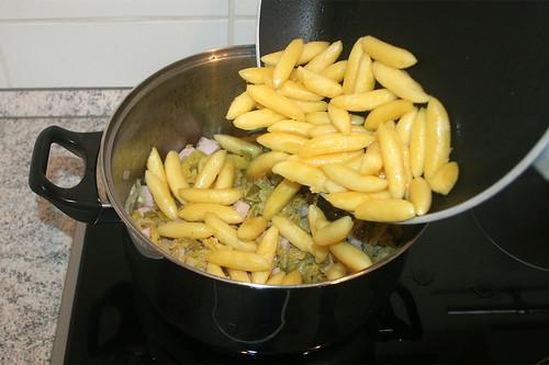 23 - Schupfnudeln hinzufügen / Add potato noodles