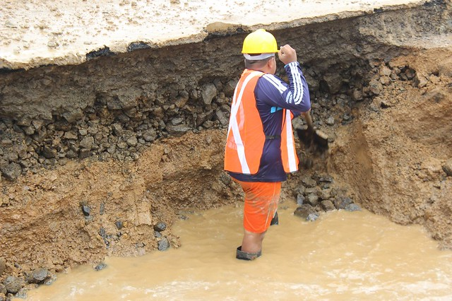 Aguas del Chuno repara daños de tuberías