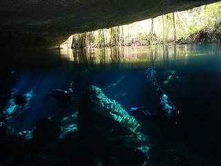 Entrada al  inframundo Chac Mool, buceando por las cavernas del inframundo - 8707880305 3a17de3e99 n - Chac Mool, buceando por las cavernas del inframundo