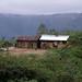 House - Una casa, con vista de San Miguel Quetzaltepec atrás, Región Mixes, Oaxaca, Mexico por Lon&Queta