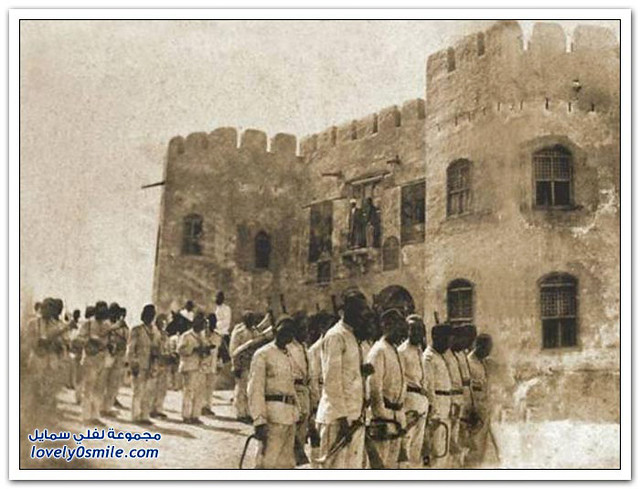 Images-from-the-past-to-Mecca-and-the-Grand-Mosque-in-Mecca-20طابور الجـند (قلعـة أجـياد) في عـهد السلطان عـبدالحميد
