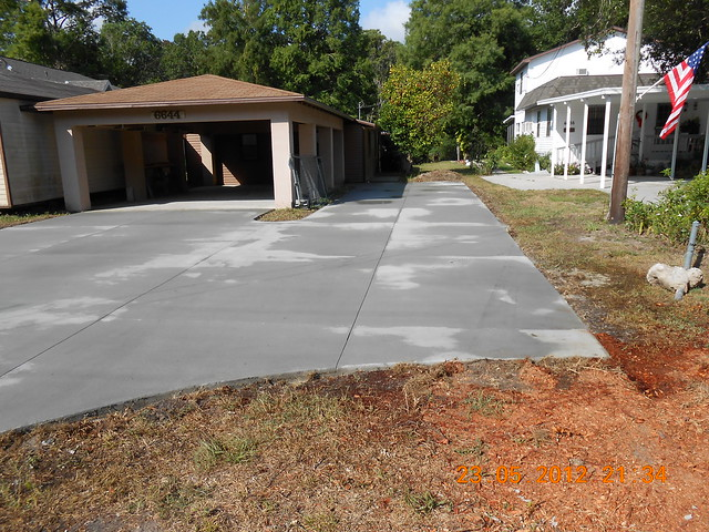 Concrete driveway weeki wachee flickr photo sharing for Temperature to pour concrete driveway