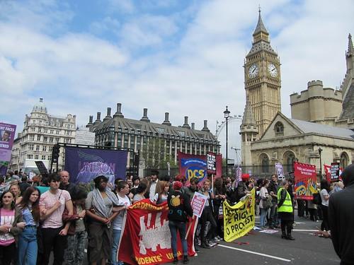 Protest line big ben 3528