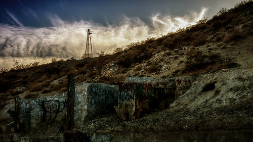 california sky usa building tower abandoned weather rock stone clouds landscape graffiti sand nikon desert hill foundation rig coachellavalley weathered d200 hdr deserthotsprings niksoftware hbmike2000 littlemorongoroad