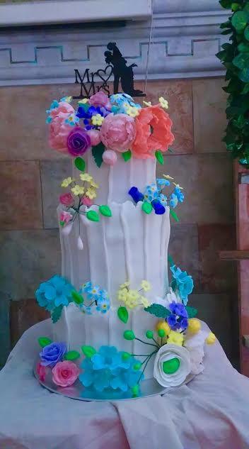 Wedding Cake by Abegail Macadangdang