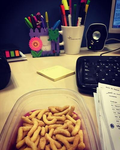 Palitos salados en la oficina!!! #Feliz
