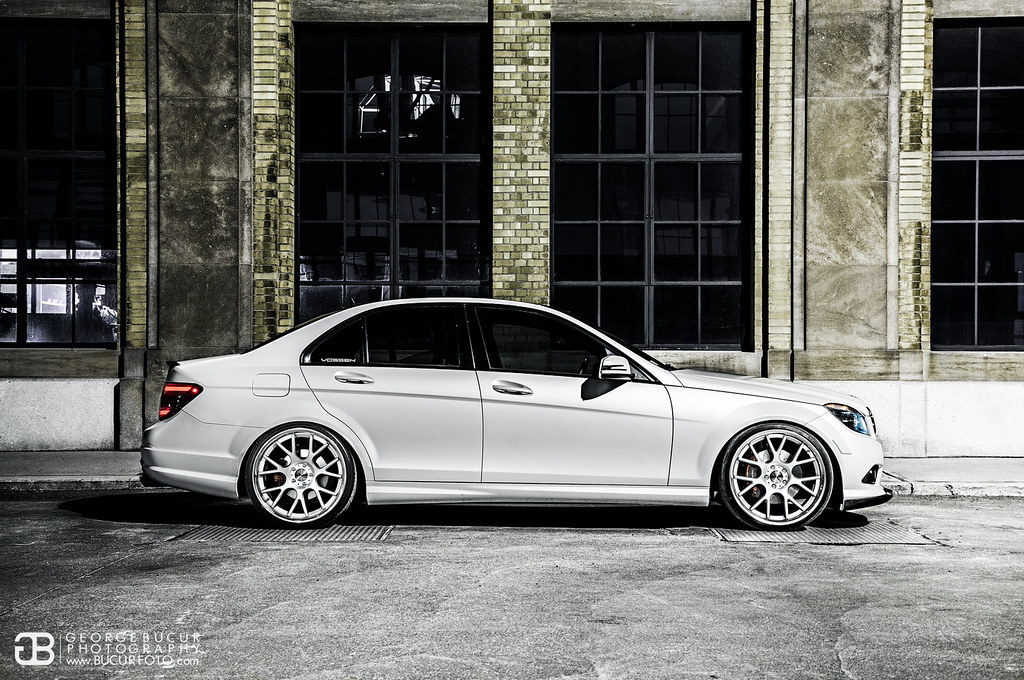 Satin Pearl White C300 Photoshoot Vossen Cv2s